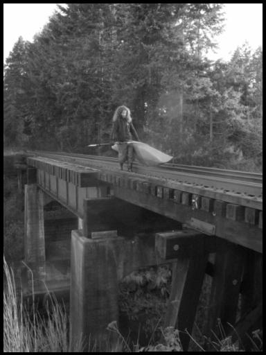 Carrying the Kayak across the old rail bridge